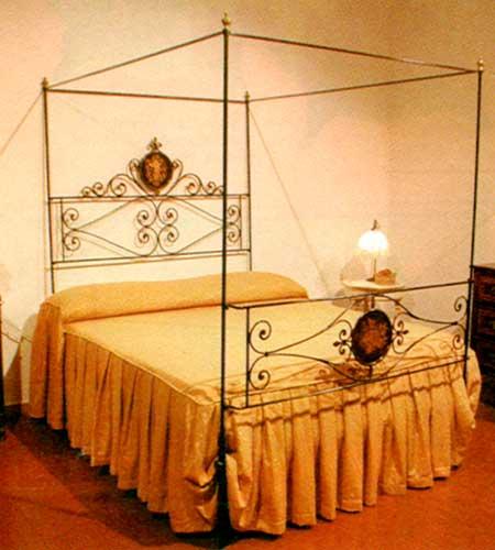 Luciano delpani antiquariato via cacciamali 63 brescia mobili dipinti juke box flipper - Letto a baldacchino in ferro battuto ...